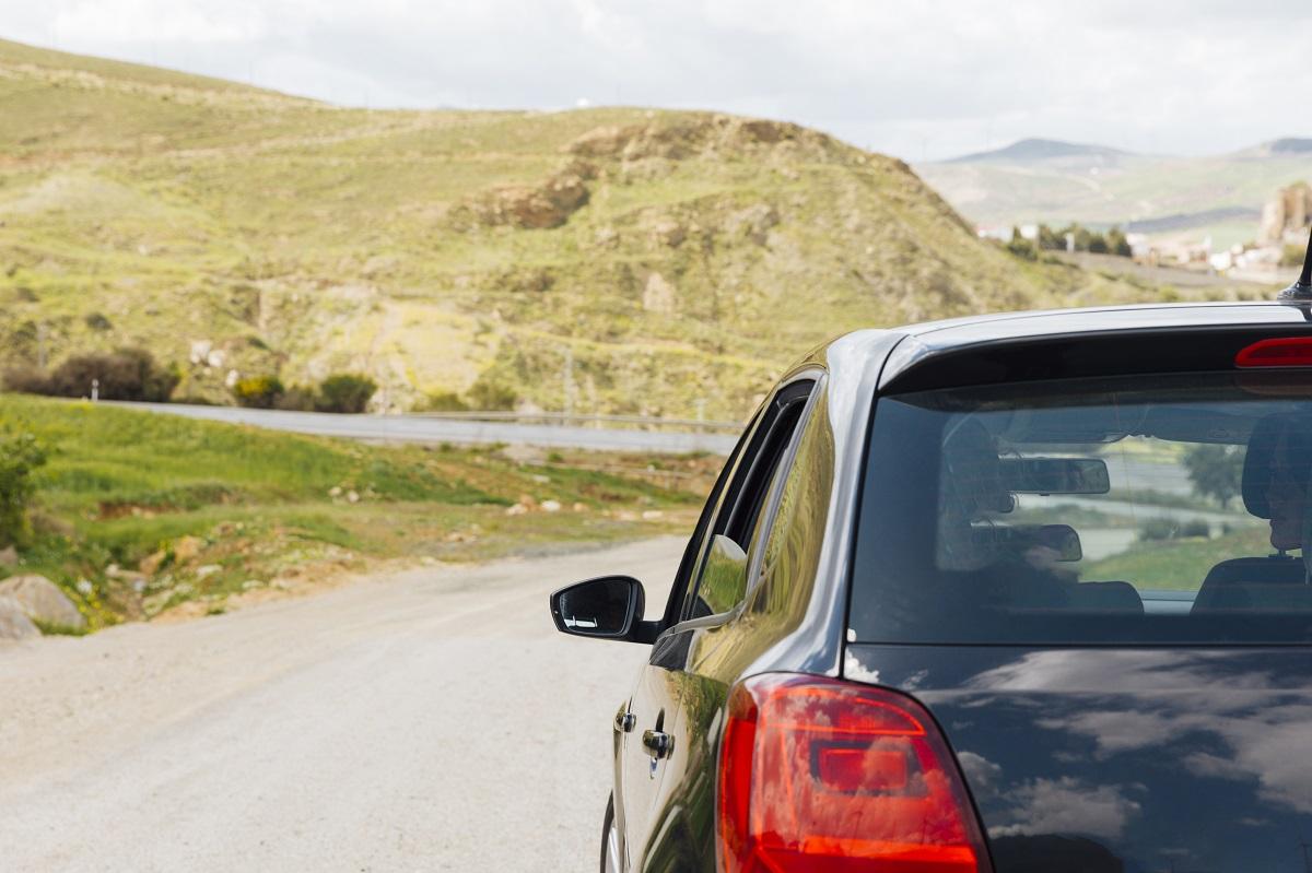 Lodówka do auta na rodzinne wakacje - poradnik, jaką wybrać